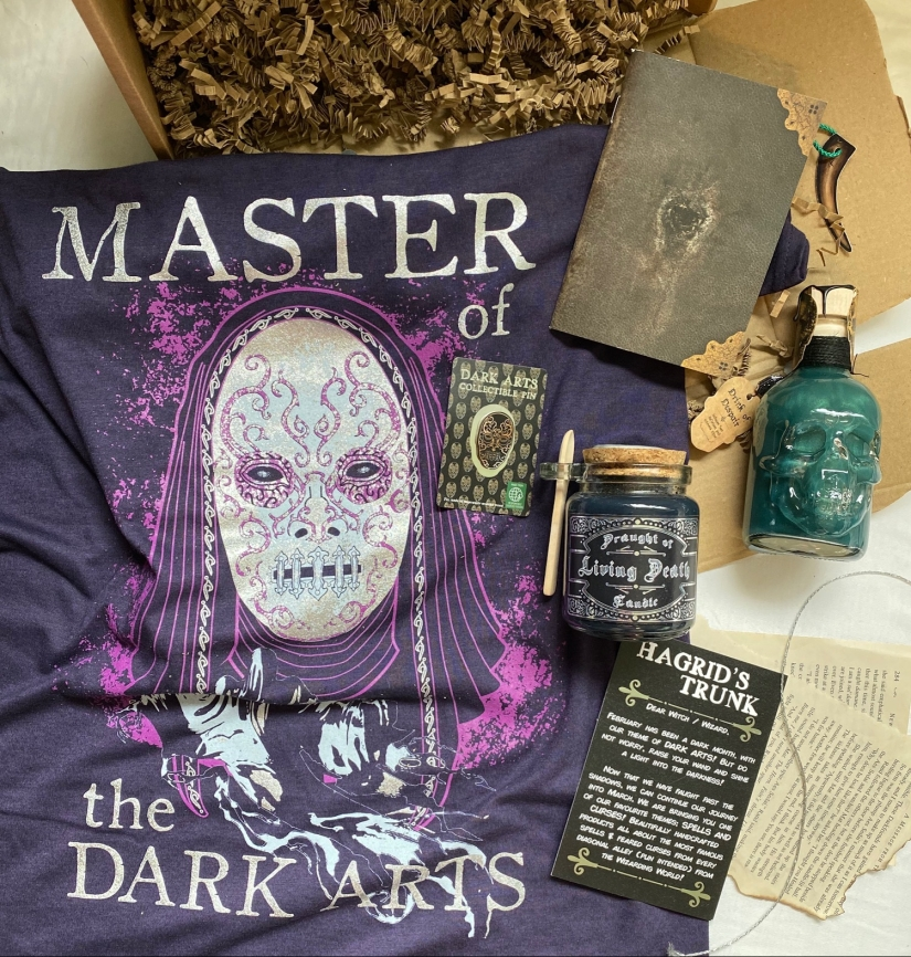 Hagrids Trunk Dark Arts Unboxing and Review